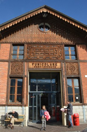 Funicolare Como-Brunate: Station