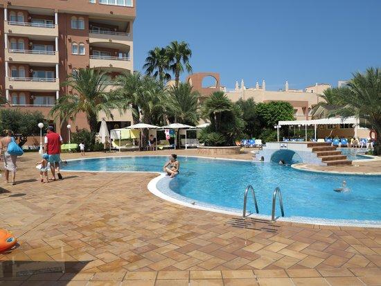 Oliva Nova Beach & Golf Hotel: La piscina