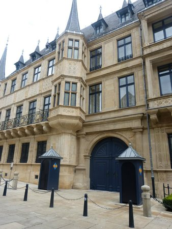 Palace of the Grand Dukes (Palais Grand-Ducal) : Palais Grand-Ducal
