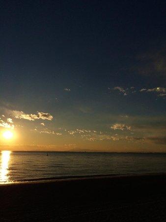Inage Ocean Park: 海岸からの夕日2