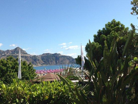 Hotel Sporting Baia: At breakfast - restaurant view