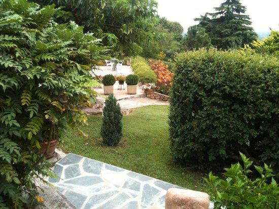 La Villa du Rhone : (Petit) apercu du (grand) jardin !