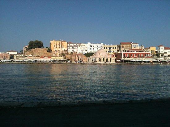 Casa Delfino Hotel & Spa: Chania old town - baking in the mid-day sun.