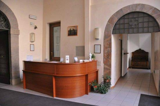 Casa madonna della pace suore francescane alcantarine for Opzioni esterne della casa