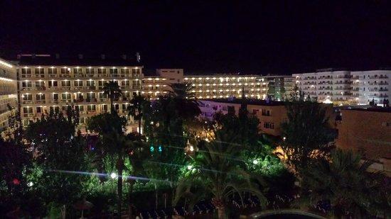 Sol de Alcudia Apartamentos: Night View