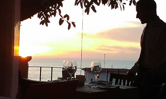 Bistro Teresa: Front row sunset views