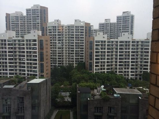 Hotel Ibis Shanghai Lianyang: 客室からの眺め(11階)