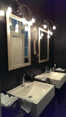 Hotel Hochzeitshaus: stylishes Gäste WC
