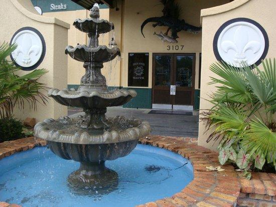 Ralph & Kacoo's: Outside the main entrance
