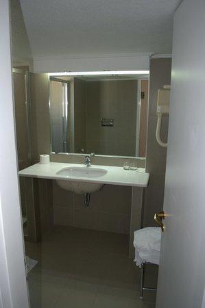 Golden Sun Hotel : Ванная комната
