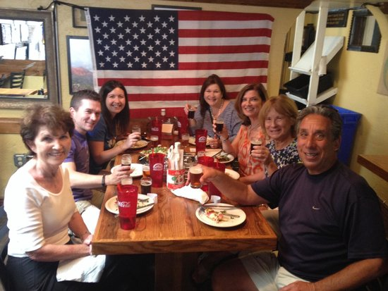 Tasting Telluride Food Tour: Enjoying world famous pizza at Brown Dog