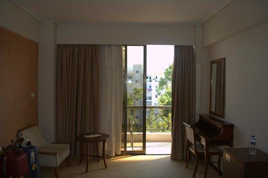 Golden Sun Hotel: Балкон