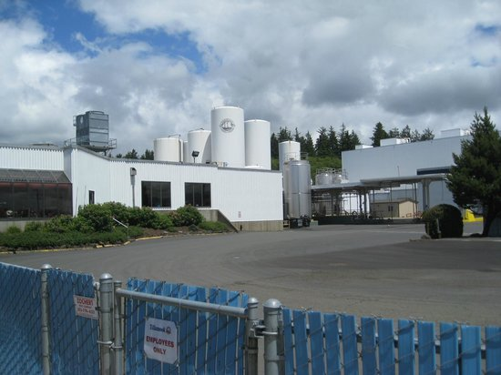 Outside of Tillamook Cheese Factory