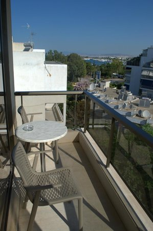 Golden Sun Hotel: Балкон - вид из нашего номера