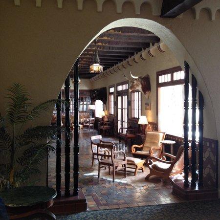 The Hotel Paisano : Beautiful lobby