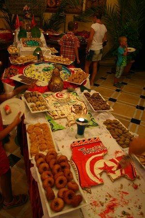 One Resort Monastir: many cokes