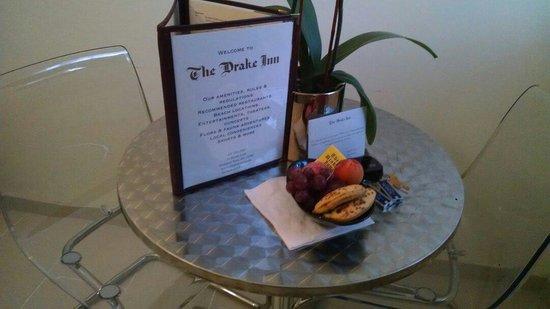 The Drake Inn: Welcome fruit basket
