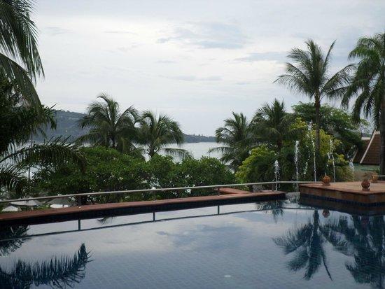 Novotel Phuket Resort : Piscine avec vue baie (Novotel)