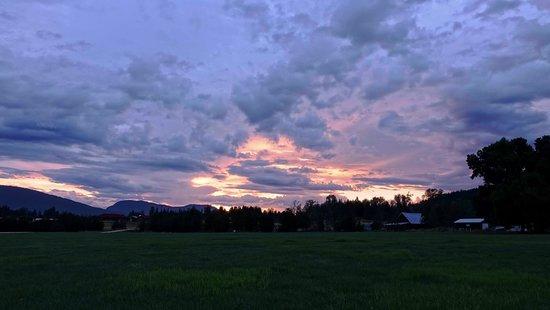 Brouse Creek B&B: Sonnenuntergang am B&B