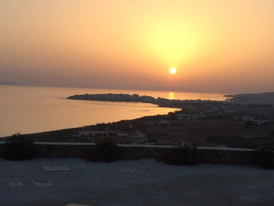 Tinos View Luxury Apartments: Sunset