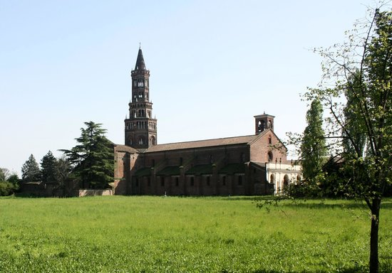 Abbazia di Chiaravalle: Abbazia vista da via Sant'Arialdo