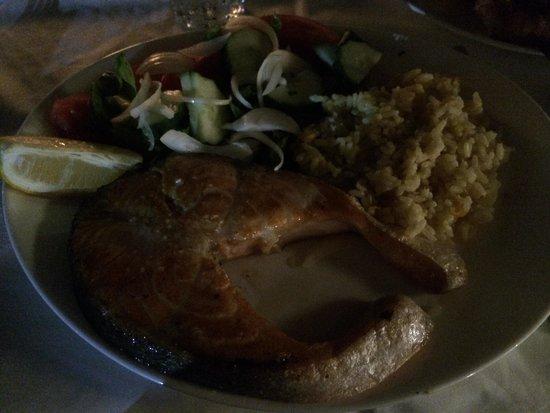 Mare Mare Restaurant: Trancio di salmone con riso