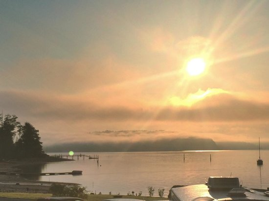 The Waterfront at Potlatch Resort: Sunrise at Potlatch waterfront