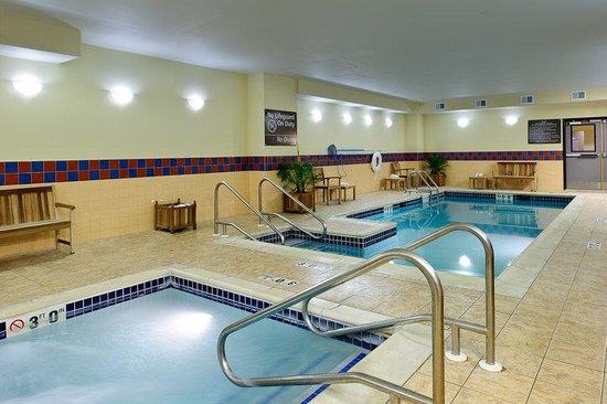 Hampton Inn Philadelphia Center City - Convention Center: Pool & Spa