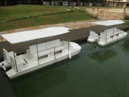 Hotel Dom Pedro Laguna: Barcos