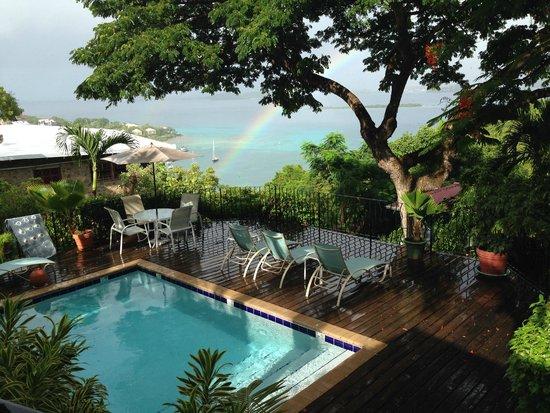 Estate Lindholm: View from breakfast of the pool, ocean, rainbow
