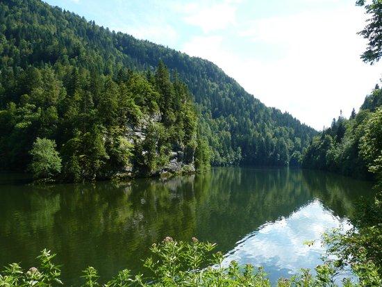Bateaux du Saut du Doubs: lac