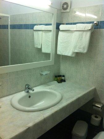 Yiannaki Hotel: Particolare del bagno