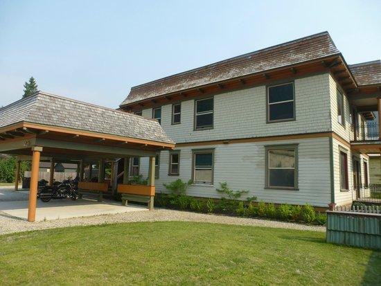Hercules Inn: Victorian 4-plex