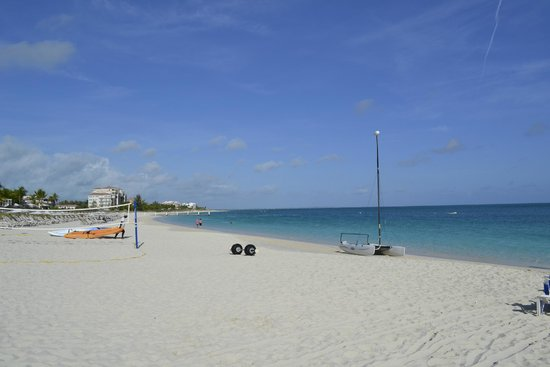 Ports of Call Resort: beach looking west
