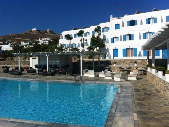 Yiannaki Hotel: Camere con vista piscina