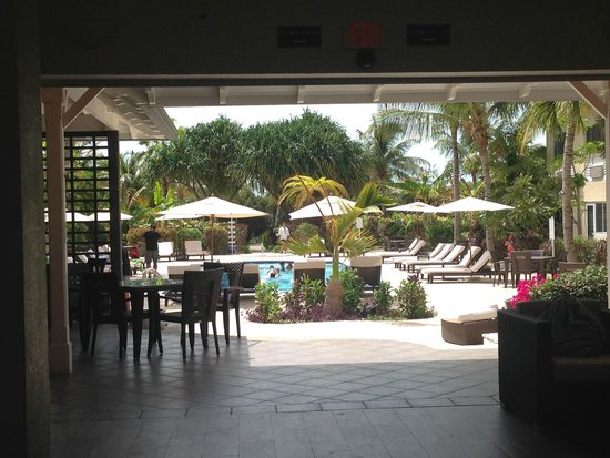Ports of Call Resort: View from Lobby to pool