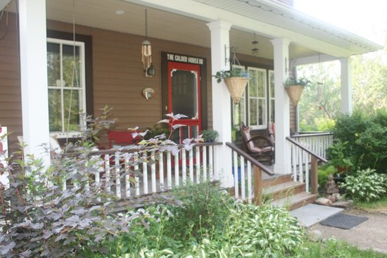 Calder House B&B : Fav Place - the Front Porch