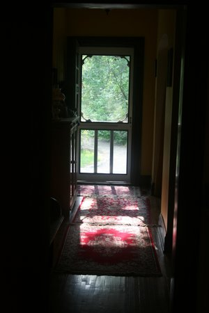 Calder House B&B : Looking out the front door . . .