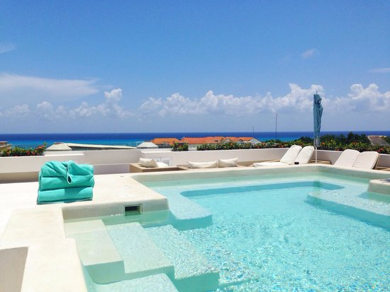 The Palm at Playa: Jacuzzi