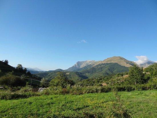 Agriturismo Le Castellare: Panorama dall'esterno del casolare