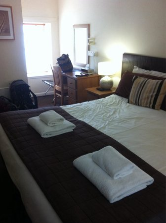 The Waterfront : Nice big room, tidy, comfy bed.