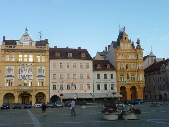 Grand Hotel Zvon: hotel visto dalla piazza