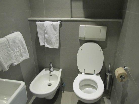 Hotel Touring: Ванная комната в белом стиле