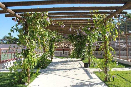 Piscina picture of best western suites le jardin caldas for Best western jardin