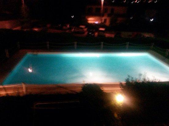 Hôtel Costa Salina : Piscina di notte