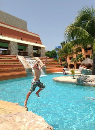 Iberostar Paraiso Maya: one pool