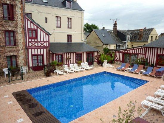 Hotel l'Ecrin : La piscine
