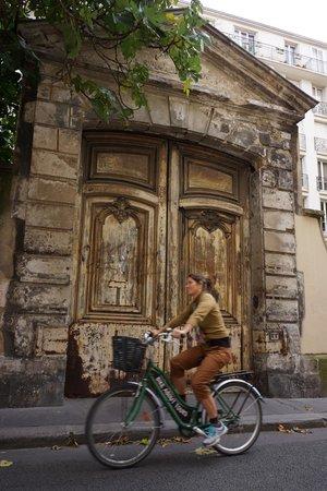 Bike about Tours (Paris)