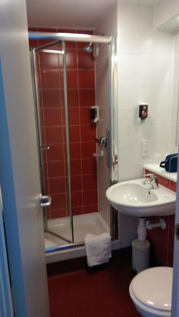 Ibis Styles Blackpool: Bathroom