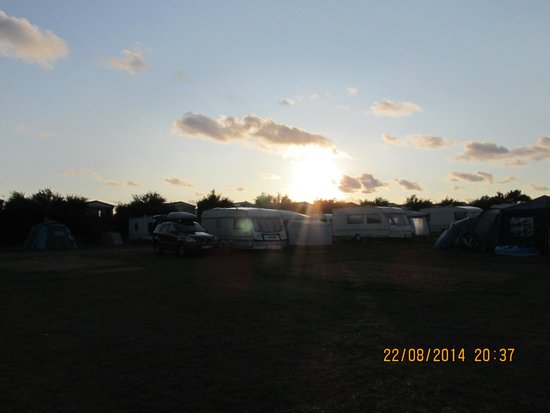 Harlyn Sands Holiday Park: sunset above